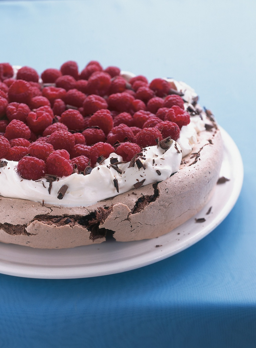 chocolate-raspberry-pavlova